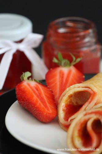 Pfannkuchen mit Erdbeermarmelade_01