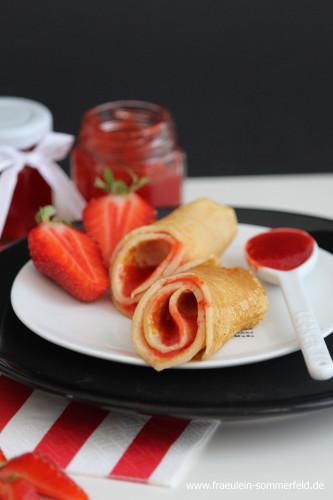 Pfannkuchen mit Erdbeermarmelade_04