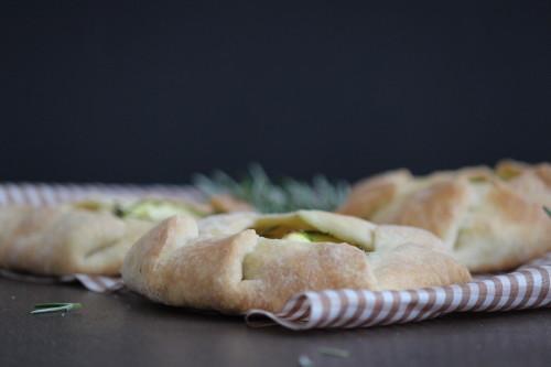 Ziegenkäse-Zucchini-Törtchen