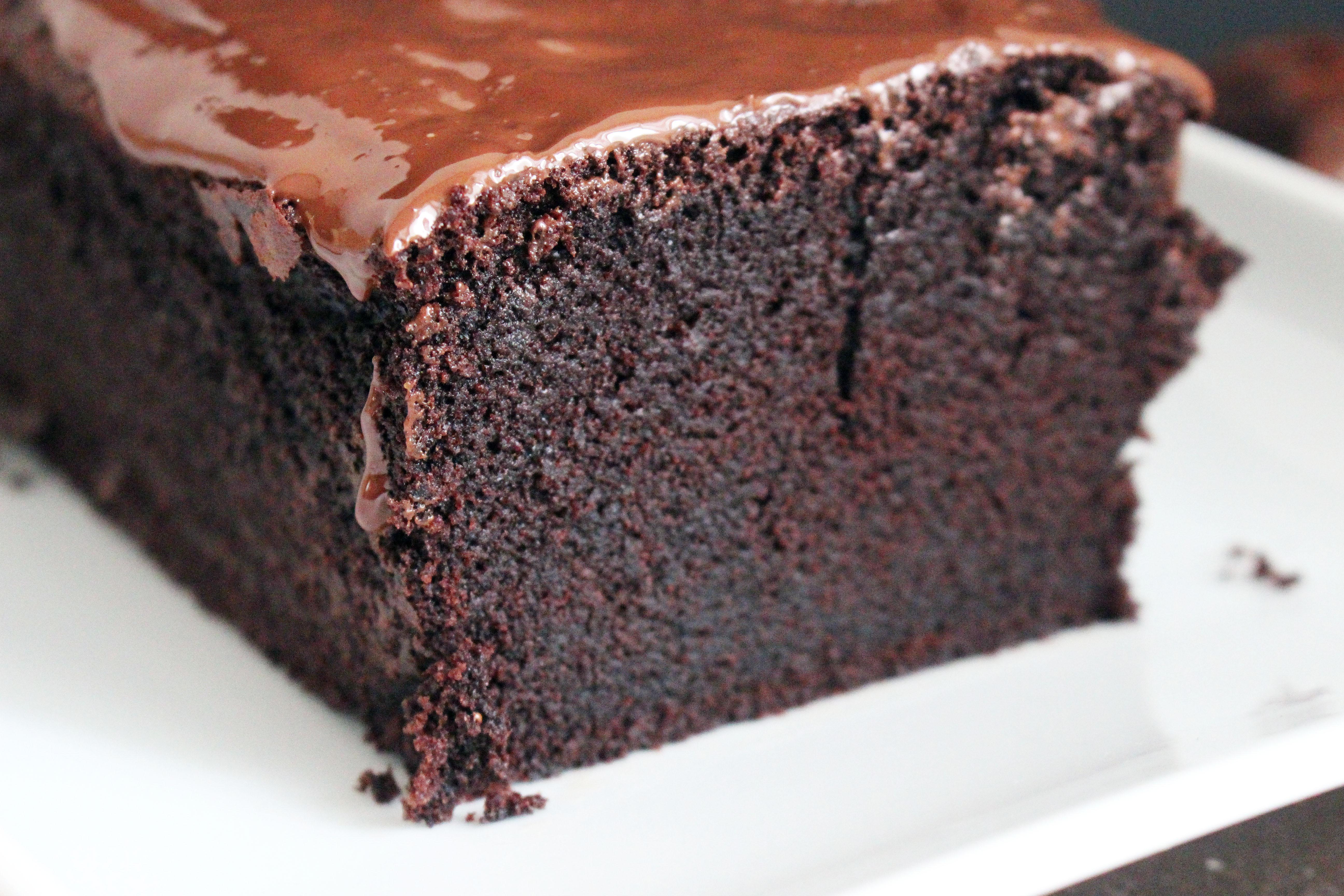 Saftiger Schokoladenkuchen aus dem neuen Buch von Donna Hay